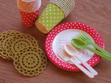 紙コップや紙皿は電子レンジでチンしても大丈夫?残った飲み物や食べ物を温めたい時必見!