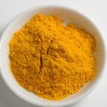 ターメリックパウダーとは?代用にはカレー粉が使える?効能や使い方についてもご紹介!
