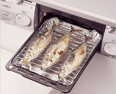 魚焼きグリルの使い方をおさらい!アルミホイルを敷いても大丈夫?