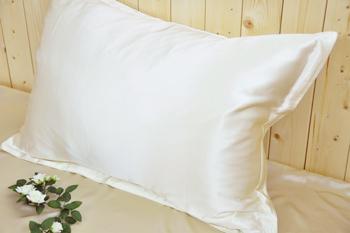 枕カバーの洗濯頻度についてご紹介!シルクがもたらす効果とは?